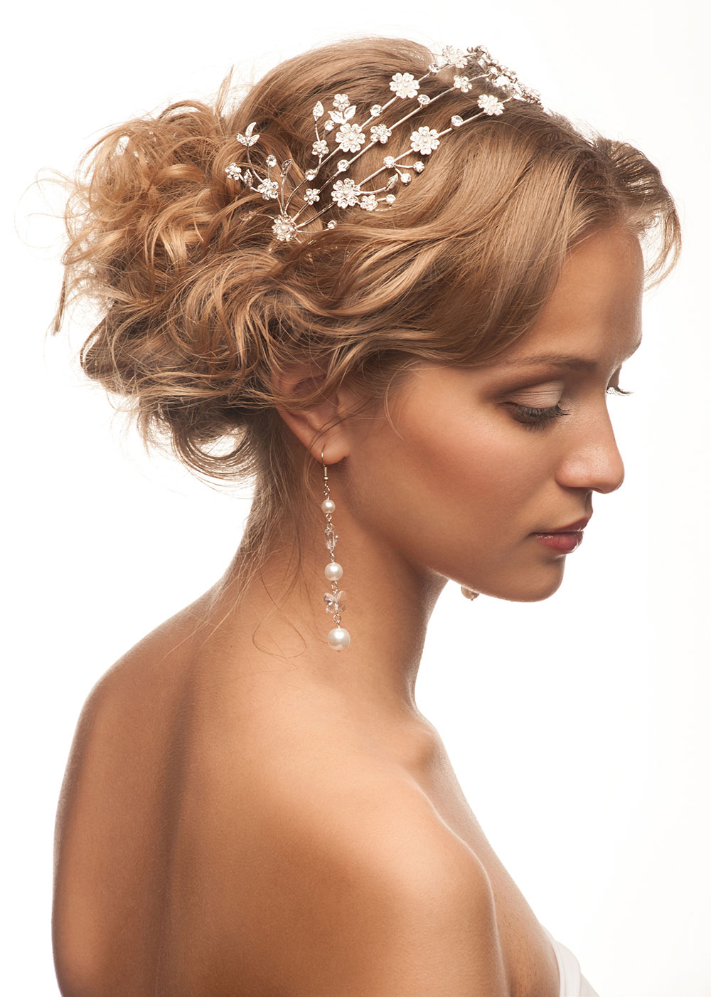 Messy side bun with accessories Wedding short hairstyle