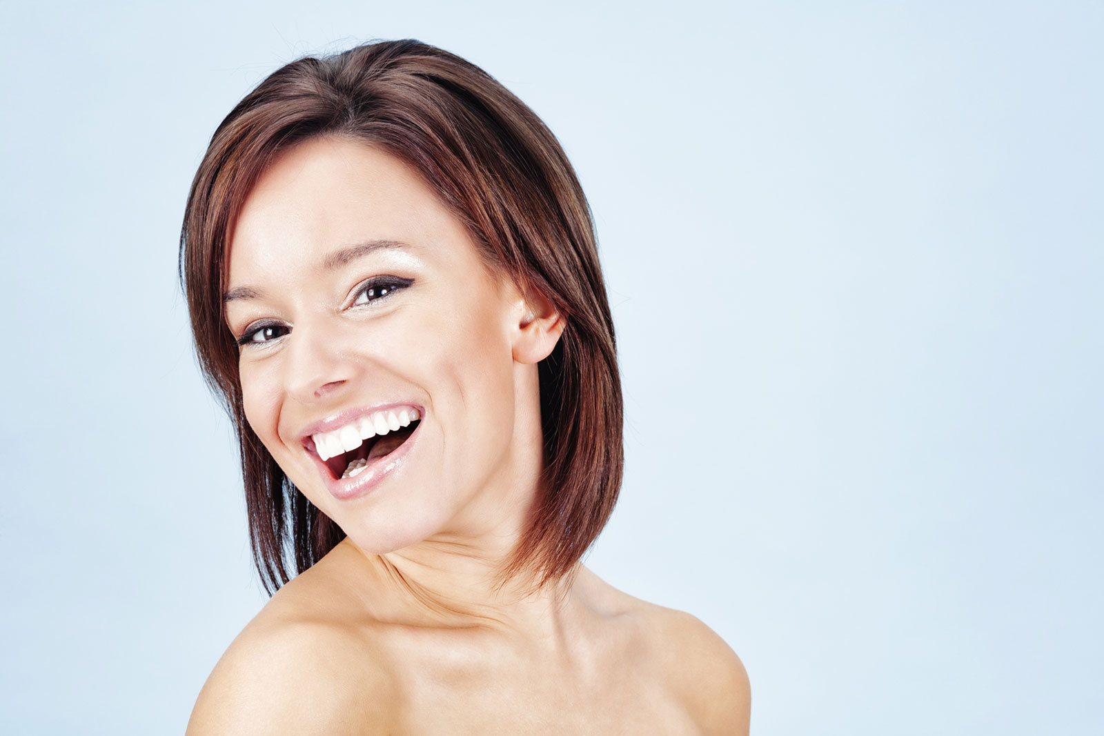 Shoulder-length brunette layers with side parting Medium haircut