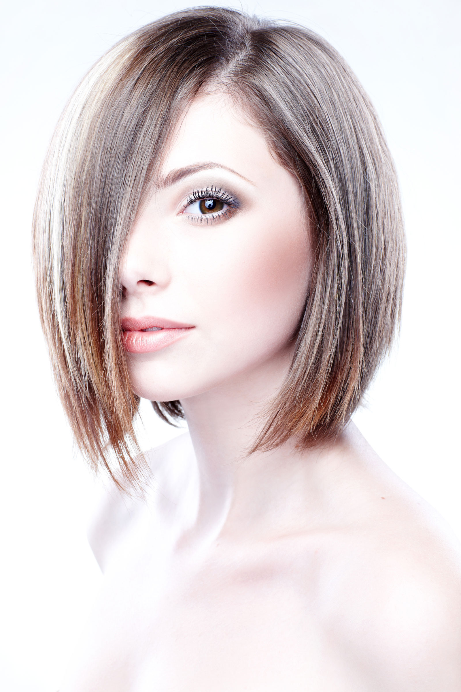 Textured side-part Short bob with balayage