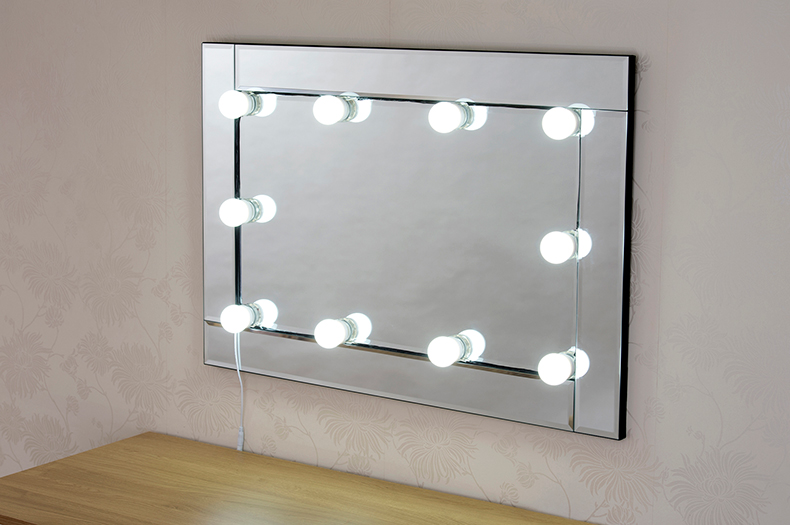 DIY Hollywood vanity mirror