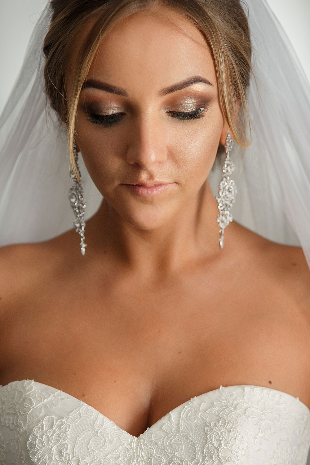 The Bronze Beauty natural wedding makeup