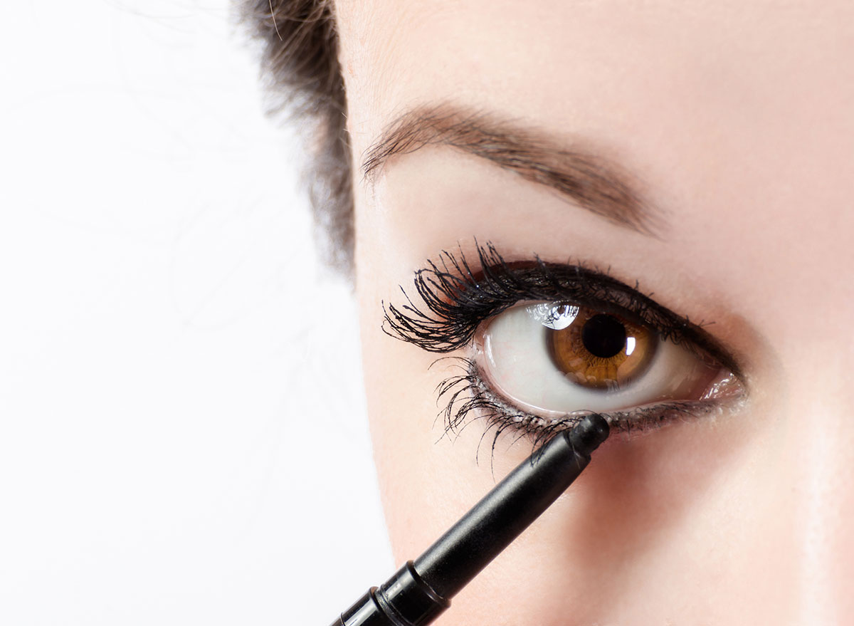 Liquid eyeliner Beauty Tip for Girls